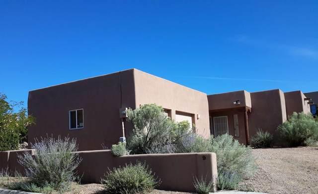 9 Calle Lemita, Santa Fe, NM 87507 (MLS #202003703) :: Stephanie Hamilton Real Estate