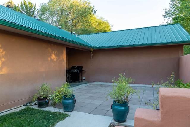 407 County Rd 84 B, El Rancho, NM 87506 (MLS #202003716) :: Summit Group Real Estate Professionals