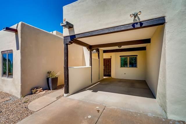 3145 La Paz Lane, Santa Fe, NM 87507 (MLS #202003723) :: Berkshire Hathaway HomeServices Santa Fe Real Estate