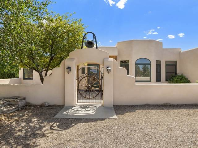 14 Lewis Ln, Santa Fe, NM 87508 (MLS #202003755) :: The Very Best of Santa Fe