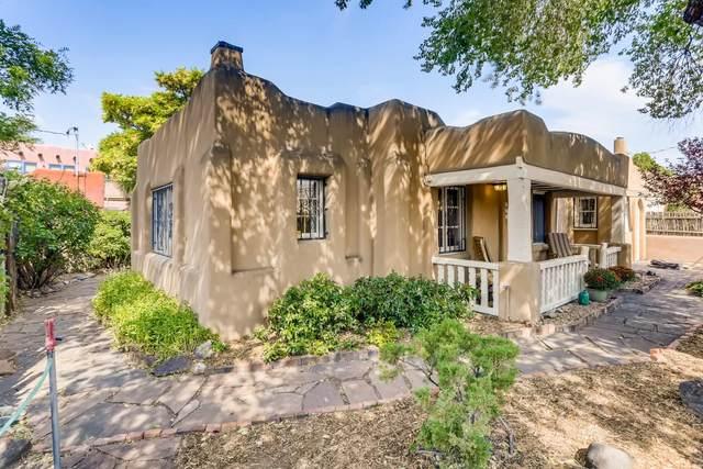 206 De Fouri Street, Santa Fe, NM 87501 (MLS #202003796) :: Berkshire Hathaway HomeServices Santa Fe Real Estate