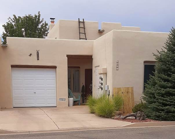 3202 La Paz Lane, Santa Fe, NM 87507 (MLS #202003862) :: Berkshire Hathaway HomeServices Santa Fe Real Estate