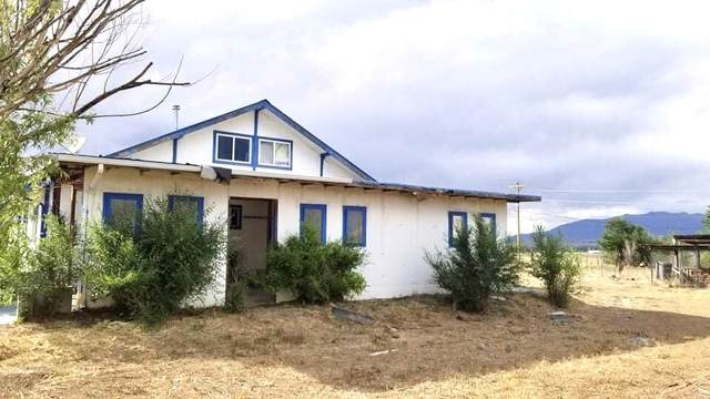128 Chanclas, Taos, NM 87557 (MLS #202003873) :: The Very Best of Santa Fe