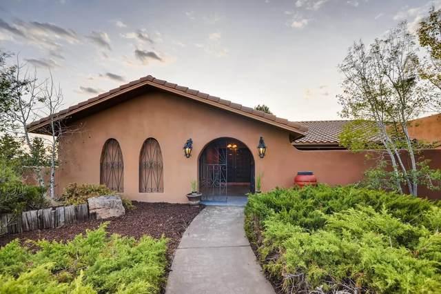 142 Verano Loop, Santa Fe, NM 87508 (MLS #202003887) :: Berkshire Hathaway HomeServices Santa Fe Real Estate