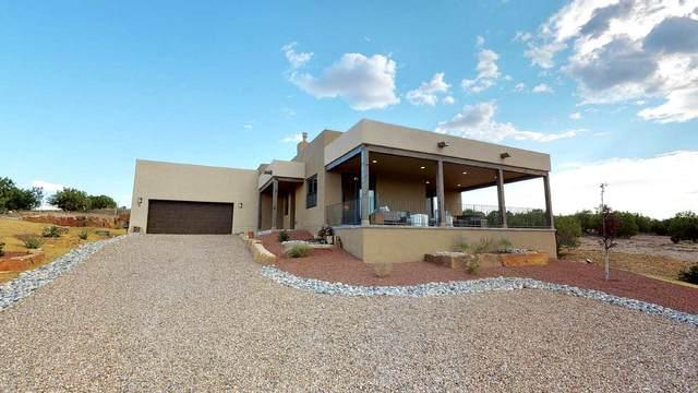 5 Via Harena, Santa Fe, NM 87507 (MLS #202003896) :: Berkshire Hathaway HomeServices Santa Fe Real Estate