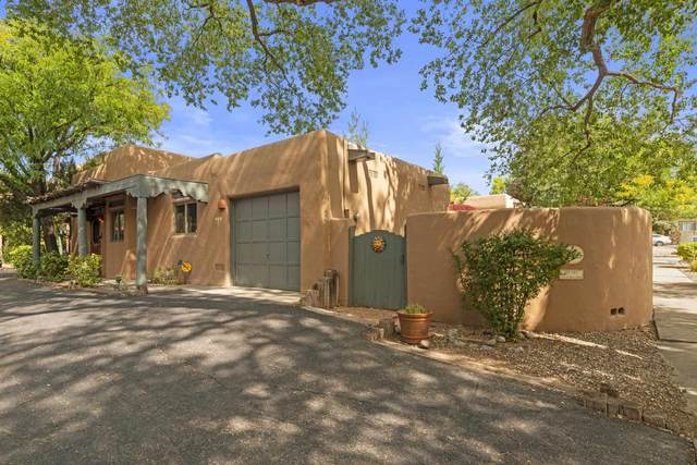 304 Alegre A, Santa Fe, NM 87501 (MLS #202003910) :: Stephanie Hamilton Real Estate