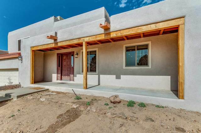 2721 Puerto Bonito, Santa Fe, NM 87505 (MLS #202003920) :: The Desmond Hamilton Group