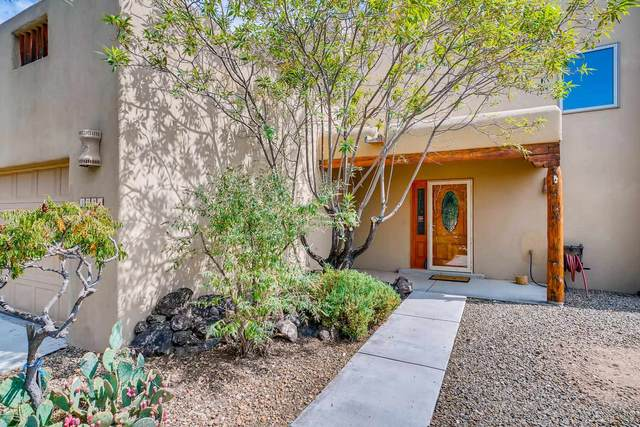 3221 Casa Rinconada, Santa Fe, NM 87507 (MLS #202003933) :: The Very Best of Santa Fe