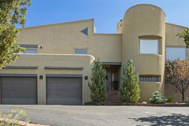 2 Stone Ridge, Santa Fe, NM 87505 (MLS #202003971) :: Berkshire Hathaway HomeServices Santa Fe Real Estate