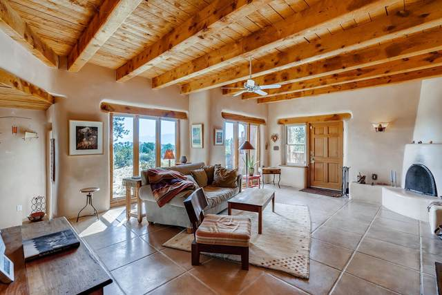 37 Gold Trail, Santa Fe, NM 87508 (MLS #202003987) :: Summit Group Real Estate Professionals