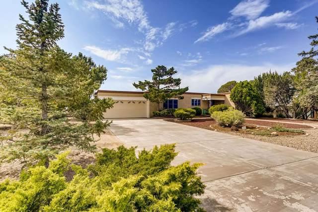 104 Mateo Circle N, Santa Fe, NM 87505 (MLS #202004001) :: Summit Group Real Estate Professionals