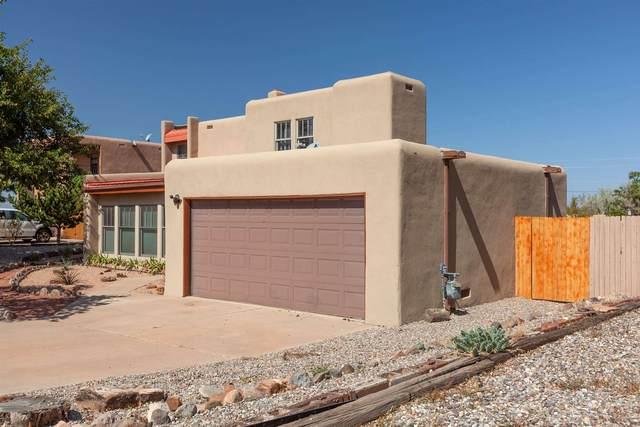 2423 Camino De Vida, Santa Fe, NM 87505 (MLS #202004069) :: The Very Best of Santa Fe