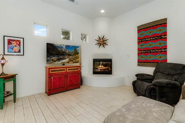 59 Johnson Mesa, Santa Fe, NM 87508 (MLS #202004122) :: Summit Group Real Estate Professionals