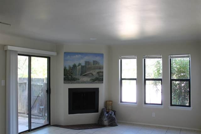 207 Camino De Los Marquez #7W, Santa Fe, NM 87505 (MLS #202004142) :: Stephanie Hamilton Real Estate