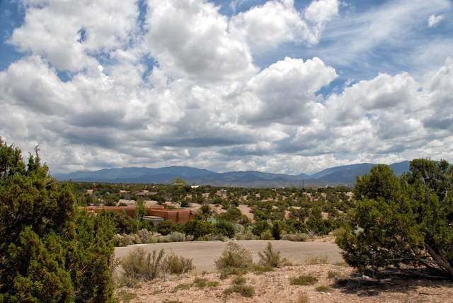 106 East Look, Santa Fe, NM 87507 (MLS #202004149) :: Summit Group Real Estate Professionals
