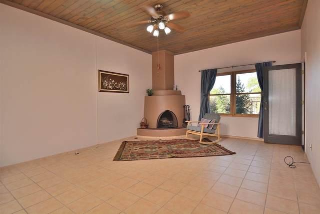2939 Plaza Blanca, Santa Fe, NM 87507 (MLS #202004176) :: Summit Group Real Estate Professionals