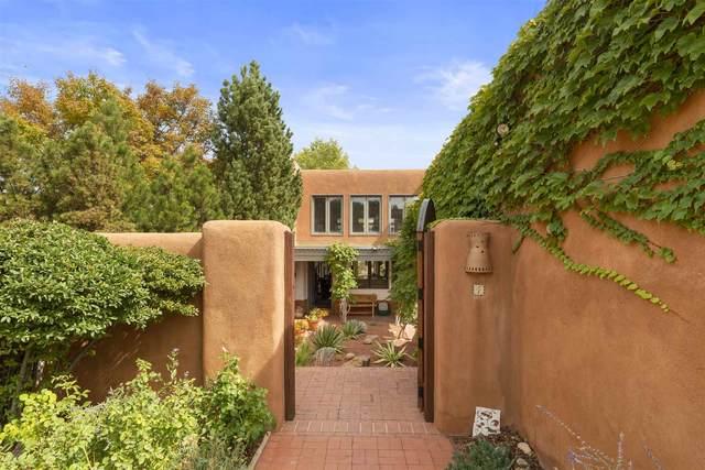 16 Avenida La Scala, Santa Fe, NM 87506 (MLS #202004236) :: Summit Group Real Estate Professionals