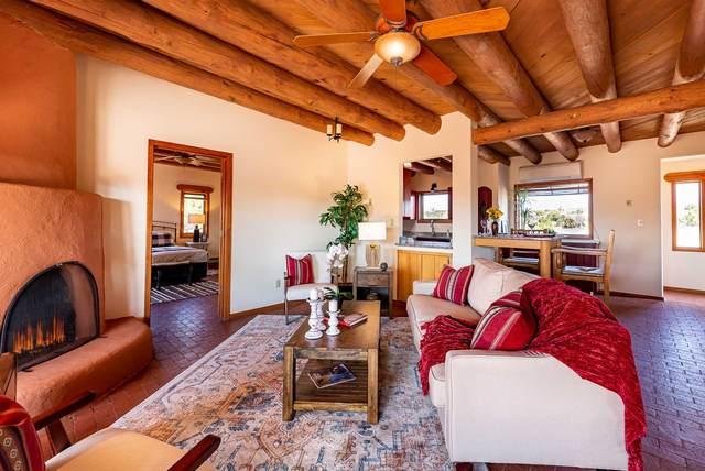 19 Valencia Loop, Santa Fe, NM 87508 (MLS #202004266) :: Summit Group Real Estate Professionals