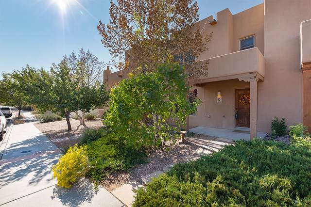 12 Camino De Vecinos, Santa Fe, NM 87507 (MLS #202004287) :: Stephanie Hamilton Real Estate