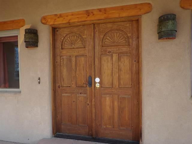 37 Sage Cir, Santa Fe, NM 87506 (MLS #202004309) :: Stephanie Hamilton Real Estate