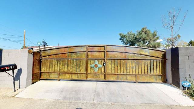 3065 Jemez, Santa Fe, NM 87507 (MLS #202004340) :: Summit Group Real Estate Professionals