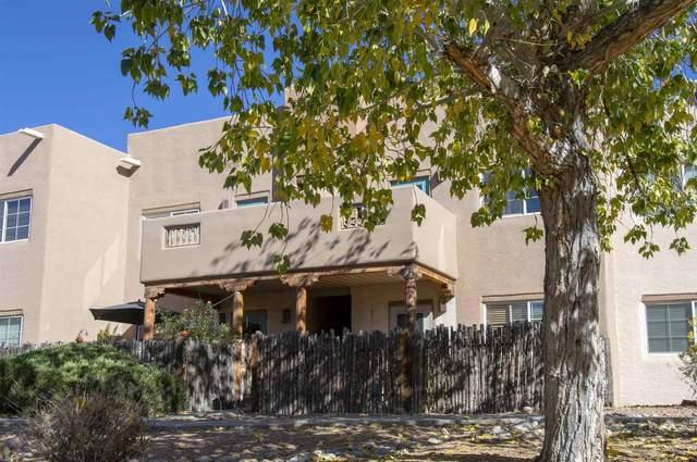 2210 Miguel Chavez #624, Santa Fe, NM 87505 (MLS #202004379) :: The Very Best of Santa Fe
