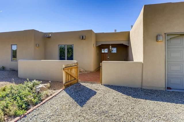 73 Mejor Lado, Santa Fe, NM 87508 (MLS #202004381) :: Summit Group Real Estate Professionals