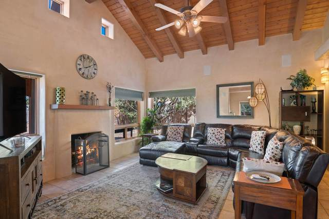 2733 Pradera Court, Santa Fe, NM 87505 (MLS #202004412) :: Berkshire Hathaway HomeServices Santa Fe Real Estate