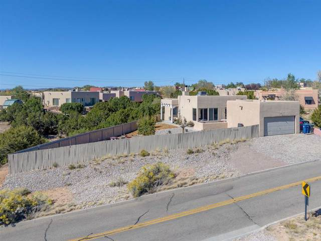 6329 Avenida Chamisa, Santa Fe, NM 87507 (MLS #202004449) :: Summit Group Real Estate Professionals