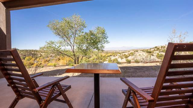 31 Camino Chupadero, Santa Fe, NM 87506 (MLS #202004452) :: Summit Group Real Estate Professionals