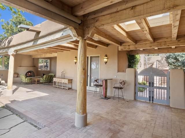 7 Camino Caruso, Santa Fe, NM 87506 (MLS #202004489) :: Summit Group Real Estate Professionals