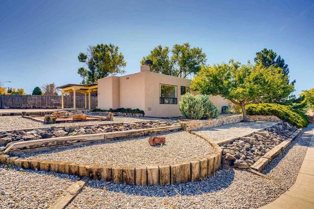 2251 Calle Pulido, Santa Fe, NM 87505 (MLS #202004501) :: Summit Group Real Estate Professionals