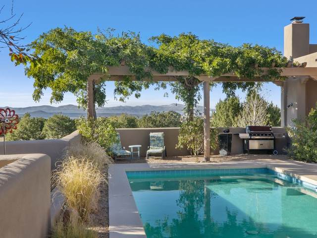 35 La Serena Trail, Santa Fe, NM 87506 (MLS #202004525) :: Berkshire Hathaway HomeServices Santa Fe Real Estate