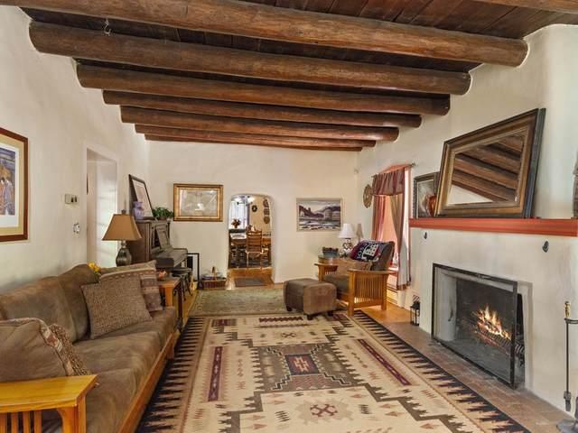 207 State Road 76, Santa Cruz, NM 87567 (MLS #202004570) :: Neil Lyon Group | Sotheby's International Realty