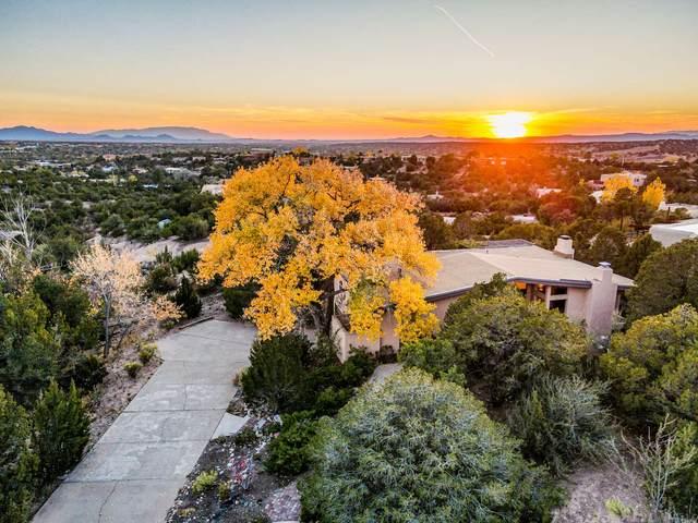 904 Paseo De La Cuma, Santa Fe, NM 87501 (MLS #202004579) :: Summit Group Real Estate Professionals