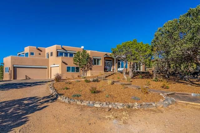 17 Calle Alexia, Santa Fe, NM 87508 (MLS #202004593) :: Berkshire Hathaway HomeServices Santa Fe Real Estate
