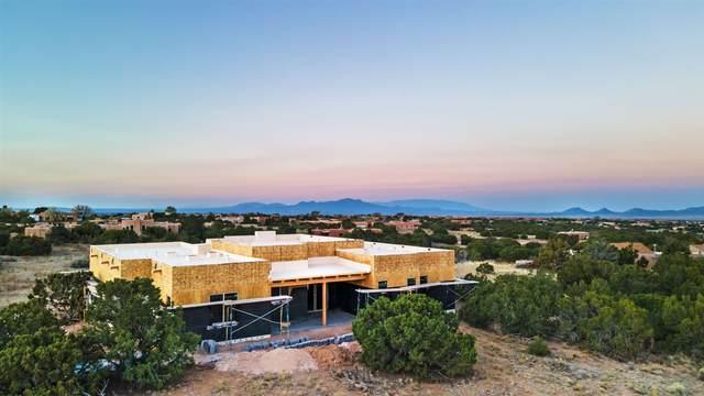 9 Monte Alto Pl, Santa Fe, NM 87508 (MLS #202004608) :: Summit Group Real Estate Professionals