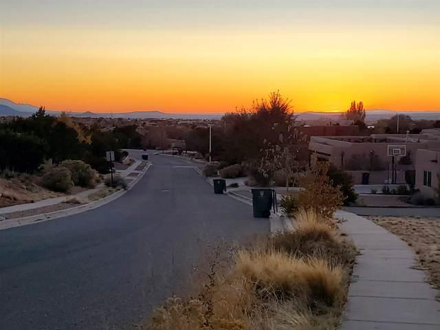 3025 Governor Lindsey Rd, Santa Fe, NM 87507 (MLS #202004726) :: Neil Lyon Group | Sotheby's International Realty