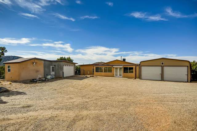 9 Camino Montoso, Santa Fe, NM 87508 (MLS #202004758) :: The Very Best of Santa Fe