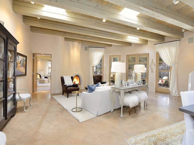 1569 Cerro Gordo Road, Santa Fe, NM 87501 (MLS #202004809) :: Berkshire Hathaway HomeServices Santa Fe Real Estate
