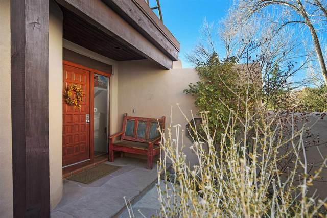 676 La Viveza Court, Santa Fe, NM 87501 (MLS #202004930) :: Berkshire Hathaway HomeServices Santa Fe Real Estate