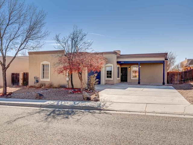 6490 Camino Rojo, Santa Fe, NM 87507 (MLS #202004988) :: Summit Group Real Estate Professionals