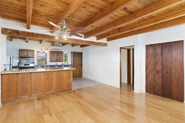 12 Baya Road, Santa Fe, NM 87508 (MLS #202004989) :: Summit Group Real Estate Professionals