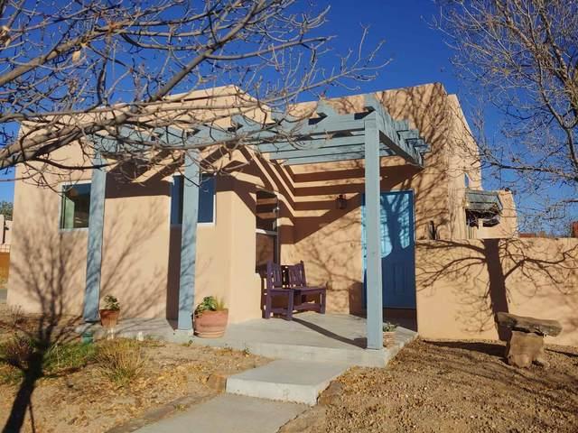 4250 Vuelta Colorada, Santa Fe, NM 87507 (MLS #202004990) :: Summit Group Real Estate Professionals