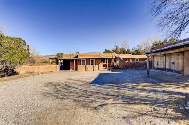 244 Camino Del Rincon, Santa Fe, NM 87506 (MLS #202004995) :: Summit Group Real Estate Professionals