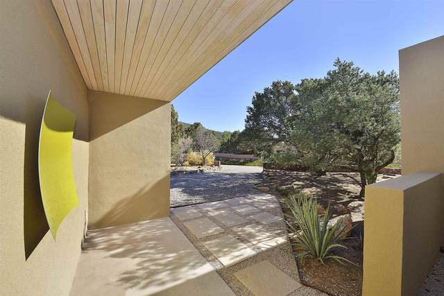 1856 Forest Circle, Santa Fe, NM 87505 (MLS #202005023) :: Summit Group Real Estate Professionals