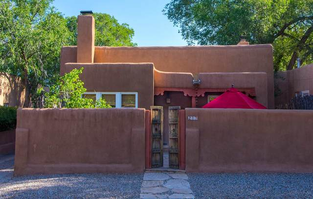 217 Sena St A, B, C, Santa Fe, NM 87505 (MLS #202005261) :: Berkshire Hathaway HomeServices Santa Fe Real Estate