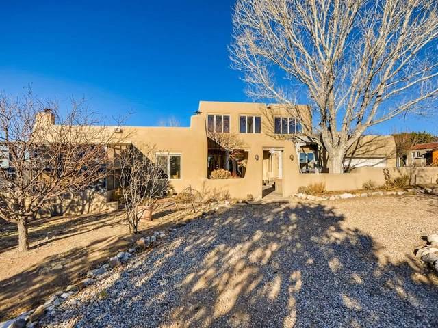 16 Cole Lane, Santa Fe, NM 87508 (MLS #202100014) :: Neil Lyon Group | Sotheby's International Realty