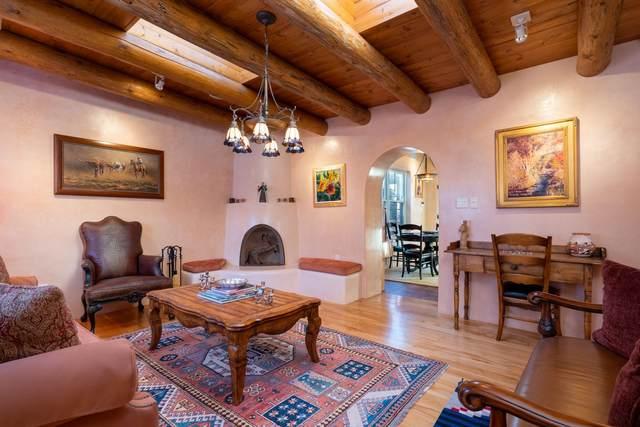 808 Galisteo Street, Santa Fe, NM 87505 (MLS #202100093) :: The Very Best of Santa Fe