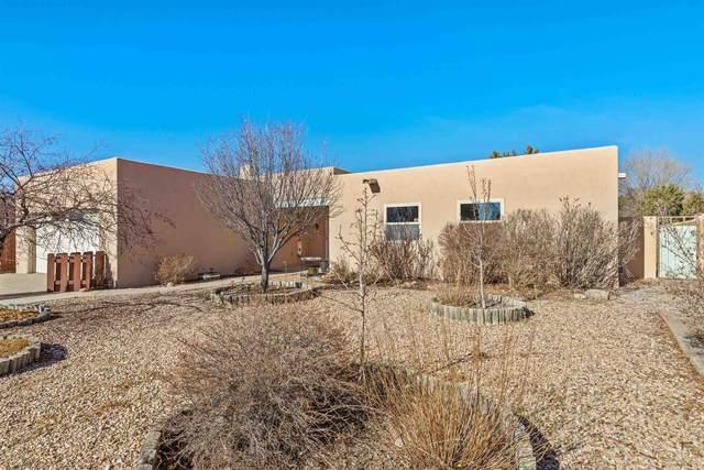 1883 Candela, Santa Fe, NM 87505 (MLS #202100163) :: The Very Best of Santa Fe